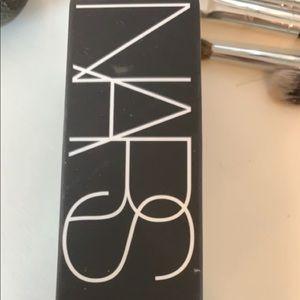Nars foundation radiant long wear